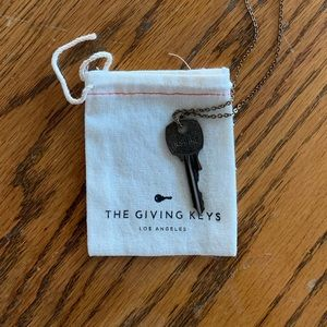 The Giving Keys 'Inspire' Necklace NWT!